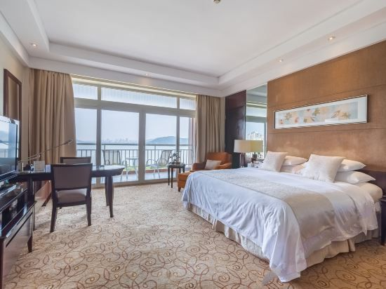 Yingbin building Executive Lake-view Queen Room
