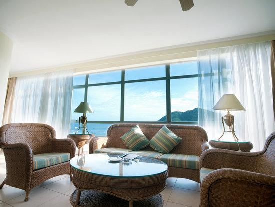 Deluxe Ocean-view Multi-level Suite