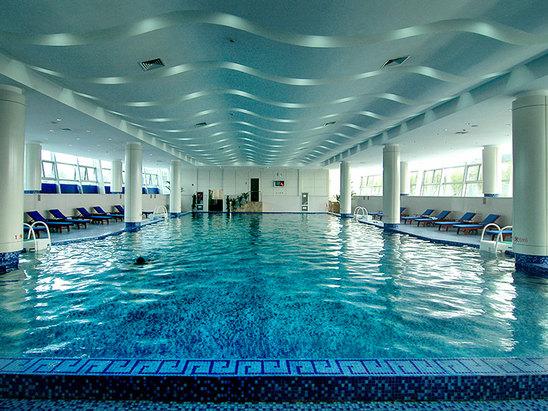 室內游泳館