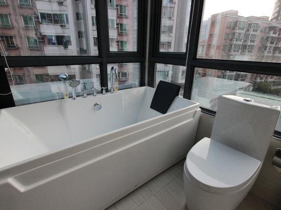 豪华单人房景观浴缸