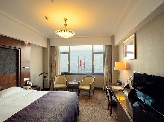 Ocean-view Queen Room