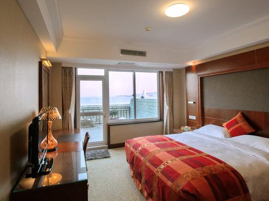 Ocean-view Deluxe Queen Room