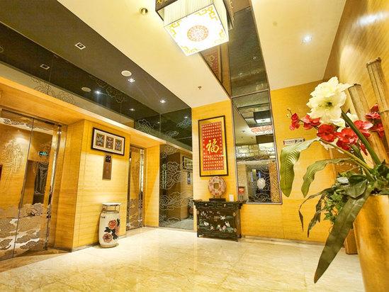 大厅电梯口
