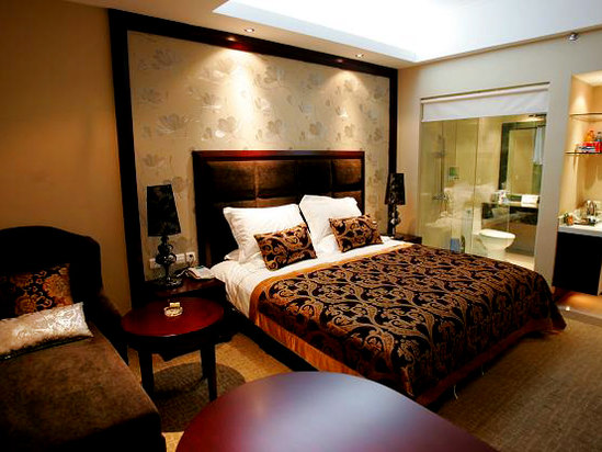 Sophisticated King-bed Room