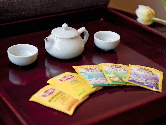 青瓷与花茶
