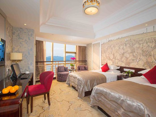 Business Lake-view twinRoom