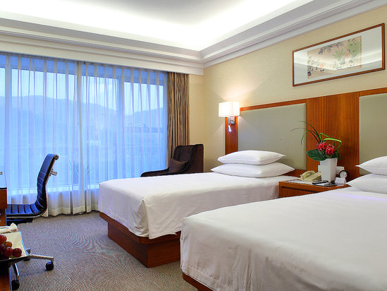 Hillview Superior Room