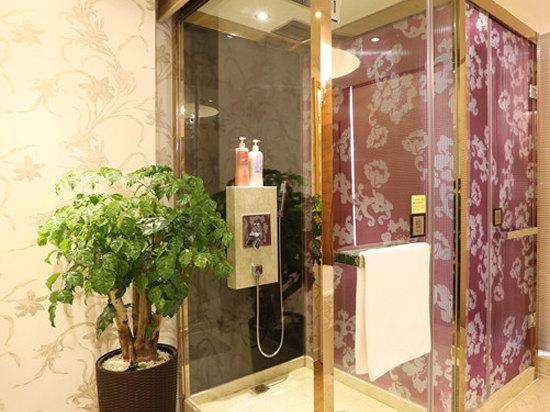 淋浴卫生间