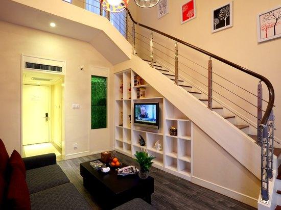 Feature Suite