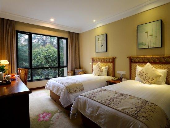 Garden-view Twin Room