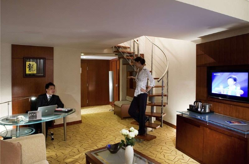 Executive Multi-level Suite
