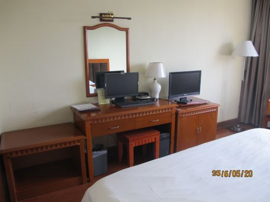 Business Standard Room