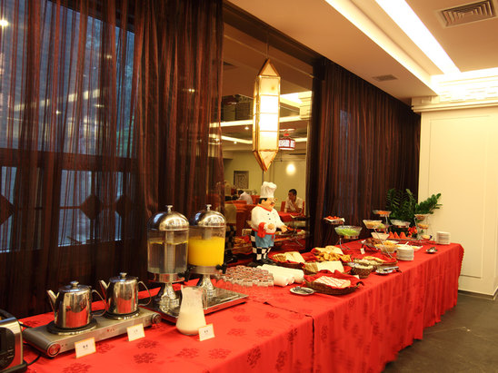 Buffet breakfast room