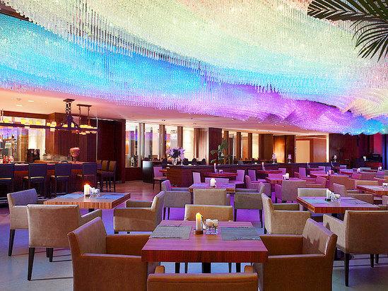 美多娜国际美食餐厅