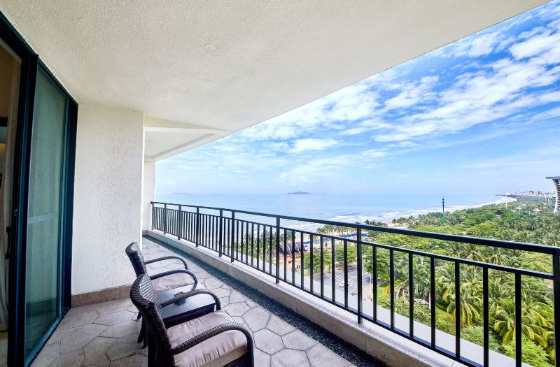 Multi-level  Ocean-view Family Room