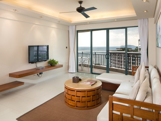 Deluxe Ocean-view Family Room