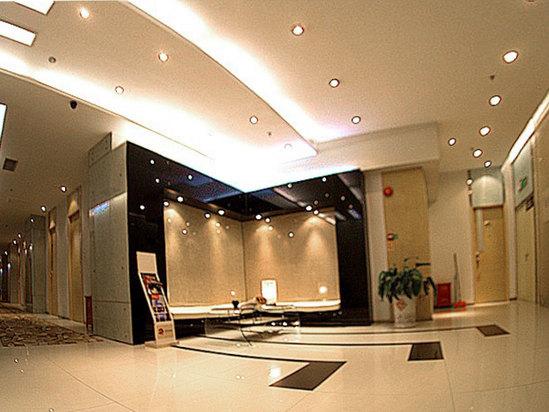 六楼服务台