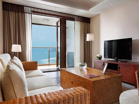 Deluxe Ocean-view Suite