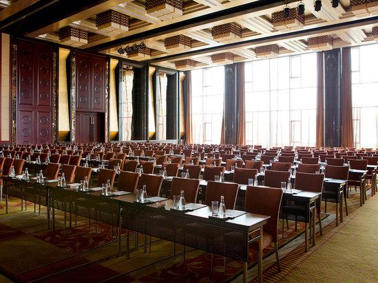 首府宴会厅-课桌式
