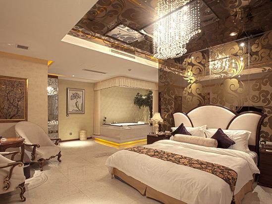 Bachelor's mansion