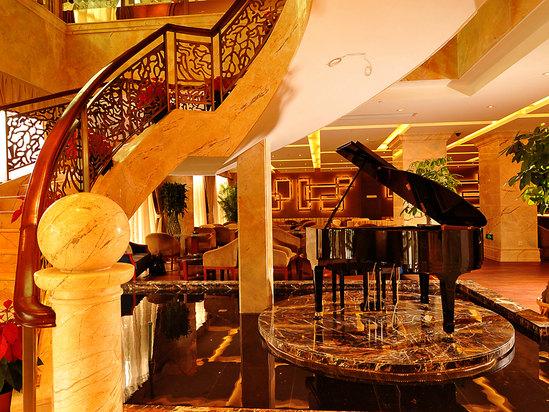 中餐廳旋轉梯