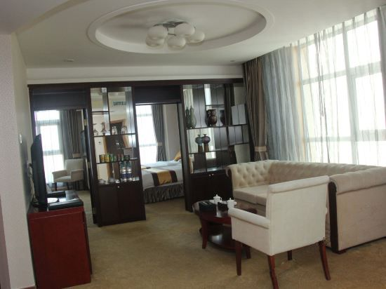 Deluxe Family Triple Suite