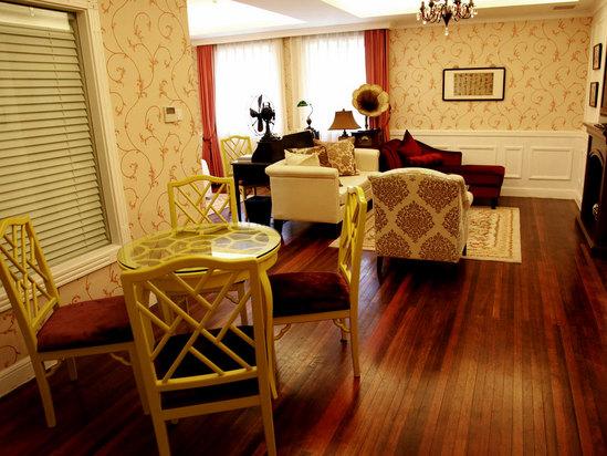Premier Lilac Suite