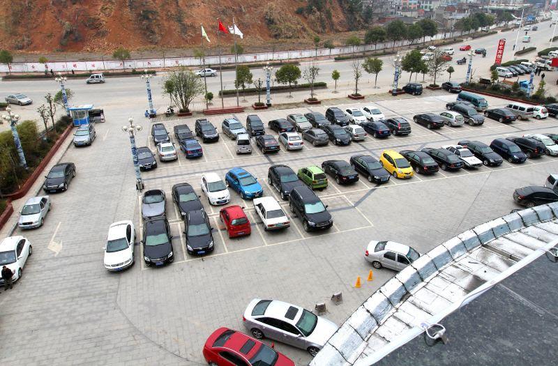 大型停车场