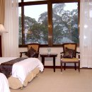 West Buliding River-view Twin Room