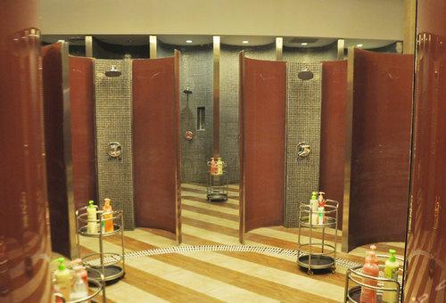 女賓淋浴區