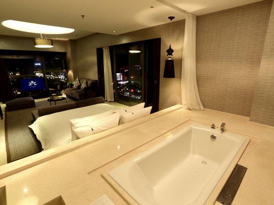 Grand Ocean View Room