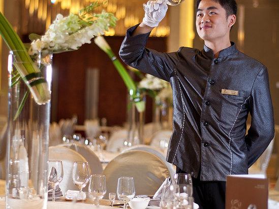 宴會服務生