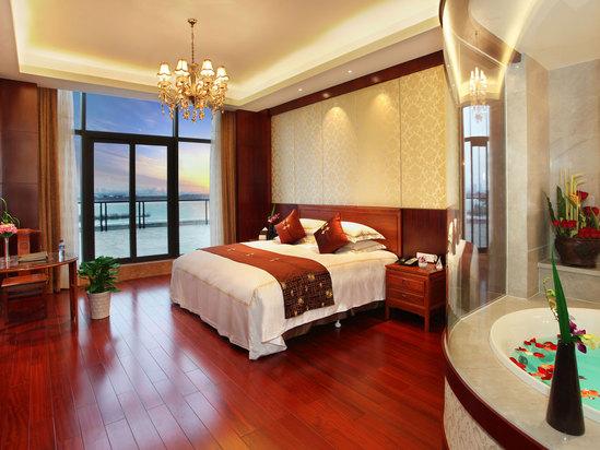 高级园景大床房